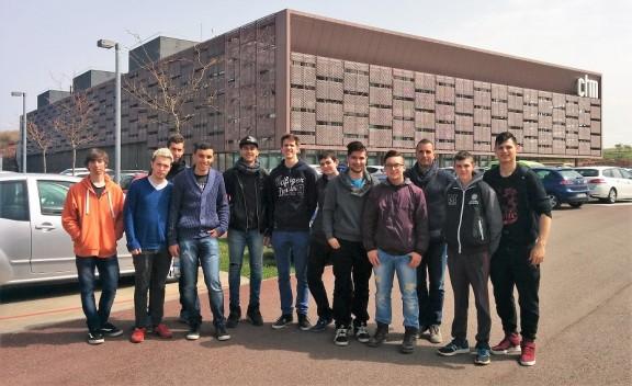 Alumnes de Sistemes Microinformàtics i Xarxes, al Centre Tecnològic de Manresa