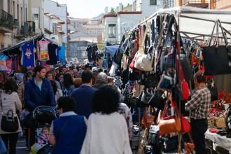 Vés a: Olot prohibeix cridar als marxants del mercat del dilluns