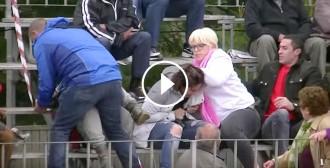 Vés a: Un vídeo corrobora les agressions a dues animalistes en un correbou al Montsià
