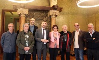 Vés a: Deu escriptors catalans representaran la literatura catalana a la Fira de Varsòvia