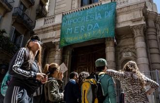 Vés a: Ocupen l'edifici del Borsí del Gòtic de Barcelona perquè aculli refugiats