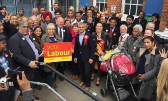 Un laborista d'origen pakistanès, a les portes de l'alcaldia de Londres