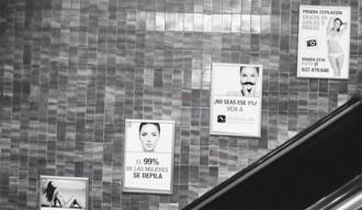 Polèmica campanya de depilació femenina al metro de Barcelona