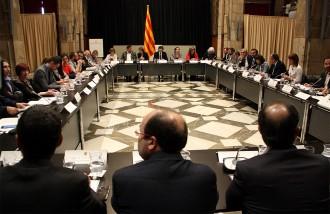 Vés a: En marxa la cimera contra els desnonaments al Palau de la Generalitat