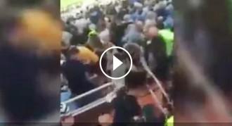 VÍDEO La policia espanyola colpeja aficionats del Manchester City