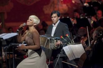 Pasión Vega i l'Orquestra Sinfònica del Vallès al Palau de la Música