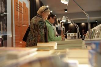 Vés a: La literatura catalana atreu 1.700 persones a la Fira del Llibre de Varsòvia