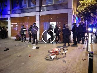 Vés a: Segona nit d'aldarulls a Gràcia pel desallotjament del «banc expropiat»