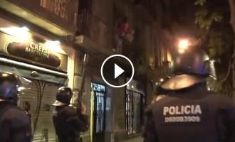 Vés a: Un detingut i una desena de ferits en la tercera nit d'incidents a Gràcia pel «banc expropiat»