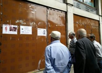 Vés a: Entitats de Gràcia demanen rebaixar la pressió policial pel «banc expropiat»