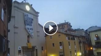 Vés a: VÍDEO Despleguen una pancarta gegant a la Patum denunciant repressió a l'independentisme
