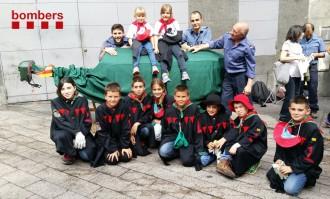 Vés a: La Patum Infantil participa en el calendari solidari de «Bombers amb causa»