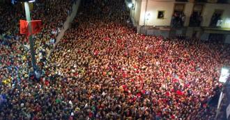 Vés a: Tanquen els accessos a la plaça de la Patum per la gran quantitat de gent