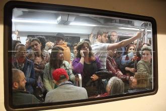 Vés a: Acaba la vaga del matí al metro de Barcelona amb congestió a la línia 5