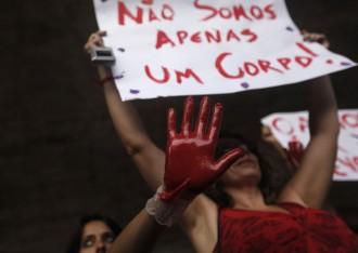 Vés a: La víctima de la violació múltiple a Brasil: «No em fa mal l'úter sinó l'ànima»