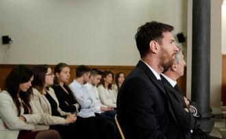 Vés a: El Suprem confirma la pena de 21 mesos de presó per a Messi per frau fiscal