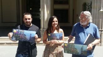 CUP Terrassa regala passis al balcó de l'Ajuntament per veure la Festa Major