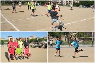 Infants i regidors de l'ajuntament estrenen el nou camp de futbol sala del Camp del Serra