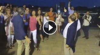 Vés a: VÍDEO El PSC torna a finalitzar la campanya amb una sessió de ball