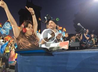 VÍDEO Soraya Sáenz de Santamaria punxa reggaeton en l'acte de final de campanya