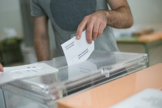 Vés a: El concurs per a la compra d'urnes del referèndum queda desert
