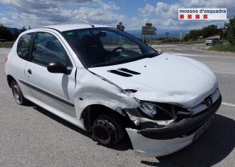 Detingut un conductor begut que va fer 11 quilòmetres sense un pneumàtic a Osona
