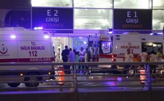 Vés a: Almenys 28 morts en un atac a l'aeroport principal d'Istanbul