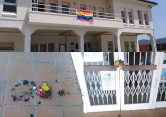 Vés a: Cremen la bandera LGTBI de l'Ajuntament de Castellgalí