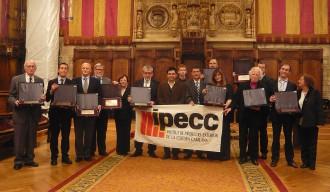Vés a: L'Ajuntament de Barcelona veta el premi Batista i Roca al Saló de Cent