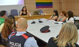 Tècnics locals es formen per defensar els drets de les persones LGTBI