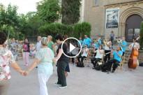 Vés a: Una desena de balladors al tradicional curs de sardanes