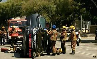 Vés a: Un espectacular accident col·lapsa l'Eix Macià de Sabadell