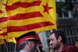 Vés a: Els regidors de la CUP de Girona intenten sense èxit entregar una carta a Felip VI