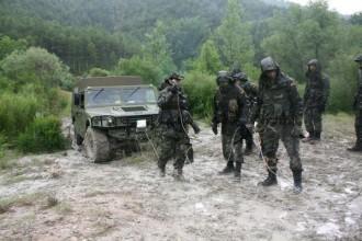 Vés a: El Ministeri de Defensa fa pública la despesa en roba per a l'exèrcit