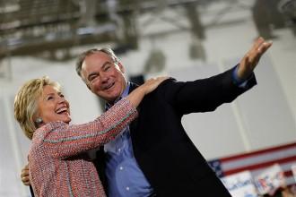 Vés a: Clinton aposta per un valor segur,Tim Kaine, com a número dos