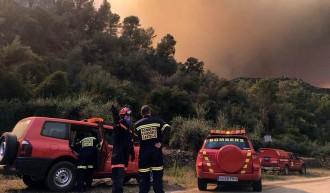 Vés a: L'incendi actiu a Artana ja ha cremat 1.500 hectàrees, 700 del parc natural de la Serra d'Espadà