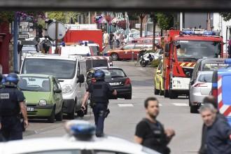 Vés a: Dos homes abatuts i un ostatge mort en una església de Normandia, a França