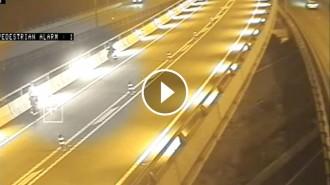 Vés a: VÍDEO Trànsit detecta imprudències de vianants i patinadors al carril BUS-VAO