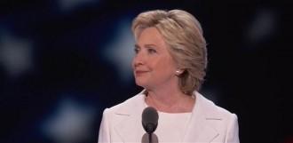 Vés a: Un sobre sospitós obliga a desallotjar la seu de campanya de Hillary Clinton