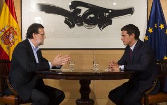 Vés a: Rajoy i Rivera desencallen un acord per la investidura que signaran avui