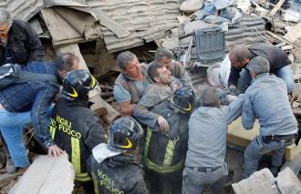 Vés a: Més d'un centenar de morts en el terratrèmol que ha sacsejat Itàlia