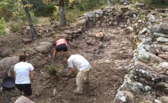 Finalitza la segona campanya arqueològica al poble vell del Castellet