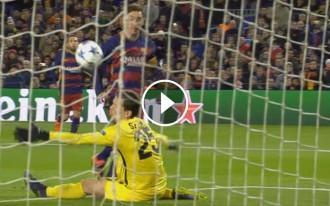 Vés a: VÍDEO La UEFA premia un gol de Messi com el millor de la temporada