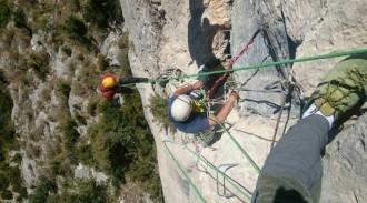 Vés a: Rescaten un escalador de 69 anys que estava esgotat en una via ferrada de Vallcebre