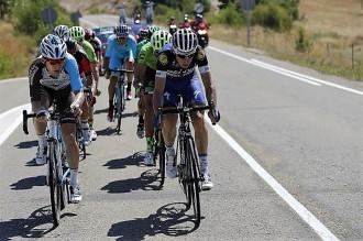 Vés a: El català David de la Cruz guanya l'etapa i se situa líder de la Vuelta