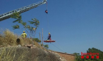 Vés a: Una dona de 74 anys, ferida menys greu en caure de sis metres a Rajadell, al Bages