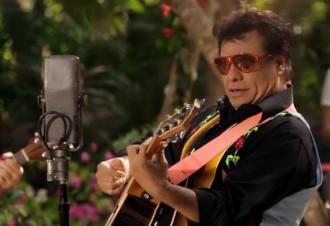 Mor als 66 anys Juan Gabriel, icona de la música mexicana