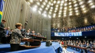 Vés a: Dilma Rousseff afronta «el judici de la història»