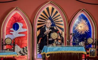Vés a: La maçoneria inaugura una nova seu  i avança cap a la plena normalització