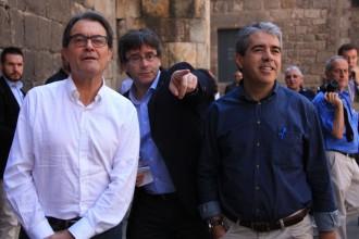 Vés a: Informes per vèncer els recels al referèndum vinculant: així es va gestar la via Puigdemont